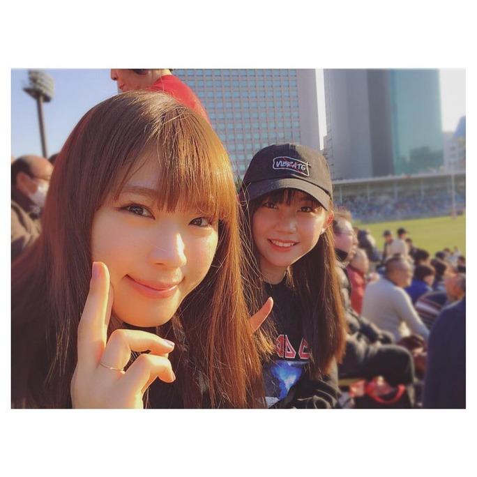 兄のラグビー観戦に出かける渋谷凪咲さん