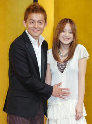 2005年スピードワゴン井戸田潤と結婚を発表