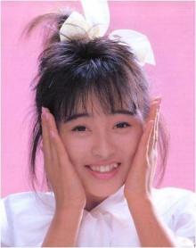 髪のアクセサリーが素敵な渡辺美奈代さん