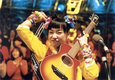 篠原ともえのデビューは1995年