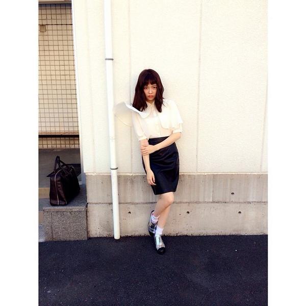 タイトな服を居た島崎遥香